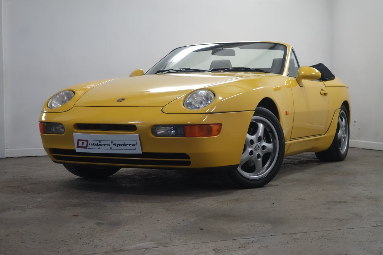 Porsche 968 3.0 coupe manual cabrio in Speed Yellow Convertible Petrol Yellow