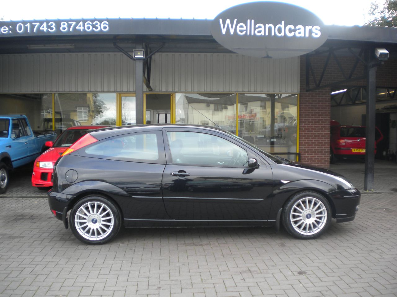 Ford Focus 2.0 ST170 3dr 6 Speed Manual, A/C, PAS, Full Service and Tyres recently completed Hatchback Petrol Panther Black Metallic at Welland Cars Shrewsbury