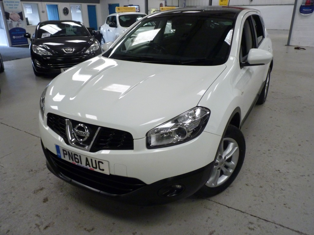 Nissan Qashqai 1.6 Used Acenta Plus 2 + 7 Services + July 20 Mot + 7 Seats + Bt + Cruise + Pan Roof