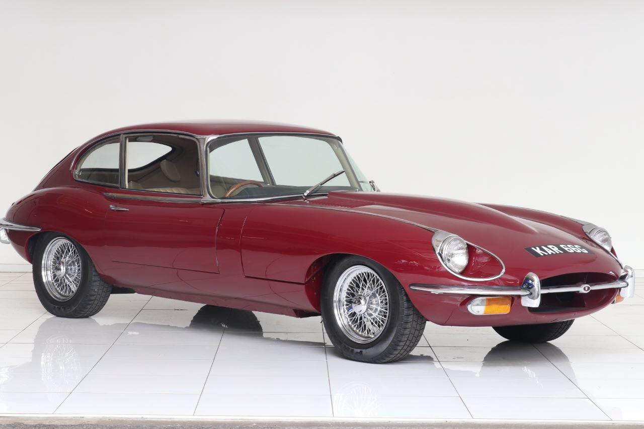 Jaguar E-Type 4.2, FHC 2+2 Coupe Petrol Regency Red