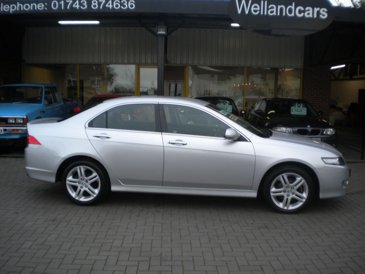 Honda Accord 2.2 i-CTDi (HFT) Sport 4dr 6 Speed Manual,Low Miles, F/S/H, Leather, Climate, Alloys Saloon Diesel Silver at Welland Cars Shrewsbury