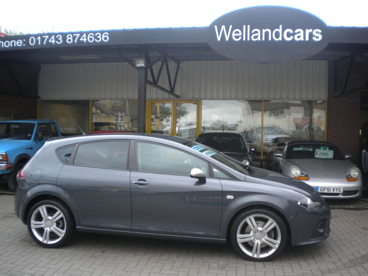 Seat Leon 2.0 16V TDI FR Edition 5dr 6 Speed Manual, 1 Owner, F/S/H, Climate Control 18 Alloys, Cruise Control Hatchback Diesel Grey at Welland Cars Shrewsbury