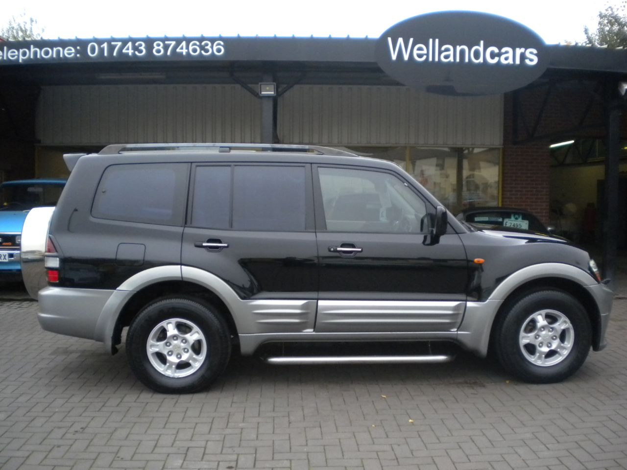 Mitsubishi Shogun 3.2 DI-D Equippe 5dr Auto, 7 Seats, Full Leather, Bodykit, Navigation, Sunroof 4 X 4 Diesel Black / Silver at Welland Cars Shrewsbury