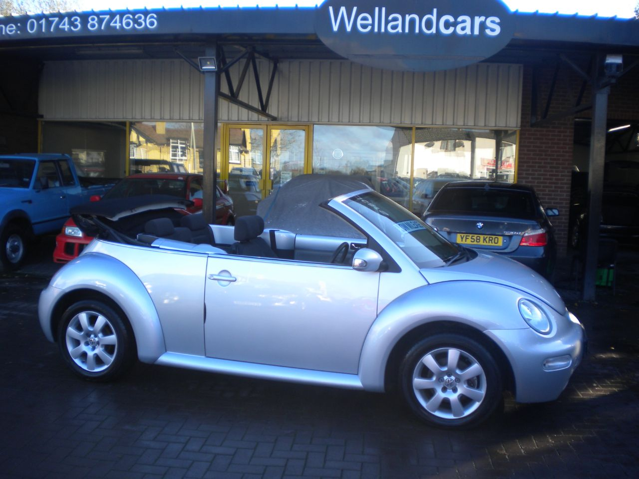 Volkswagen Beetle 2.0 2dr Convertible 5 Speed, F/S/H, Low Miles, A/C, CD, Alloys, Power hood, Convertible Petrol Silver at Welland Cars Shrewsbury