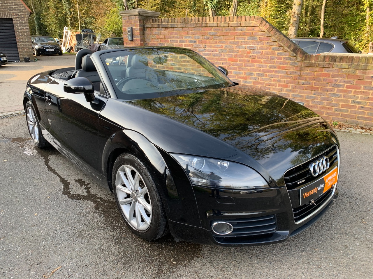 Audi TT 2.0 TDI Quattro Sport 2dr [2011] Convertible Diesel Black at A Touch of Class Kingsnorth