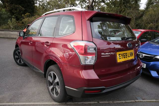 Subaru Forester 2.0 XE Lineartronic 5dr Estate Petrol Red