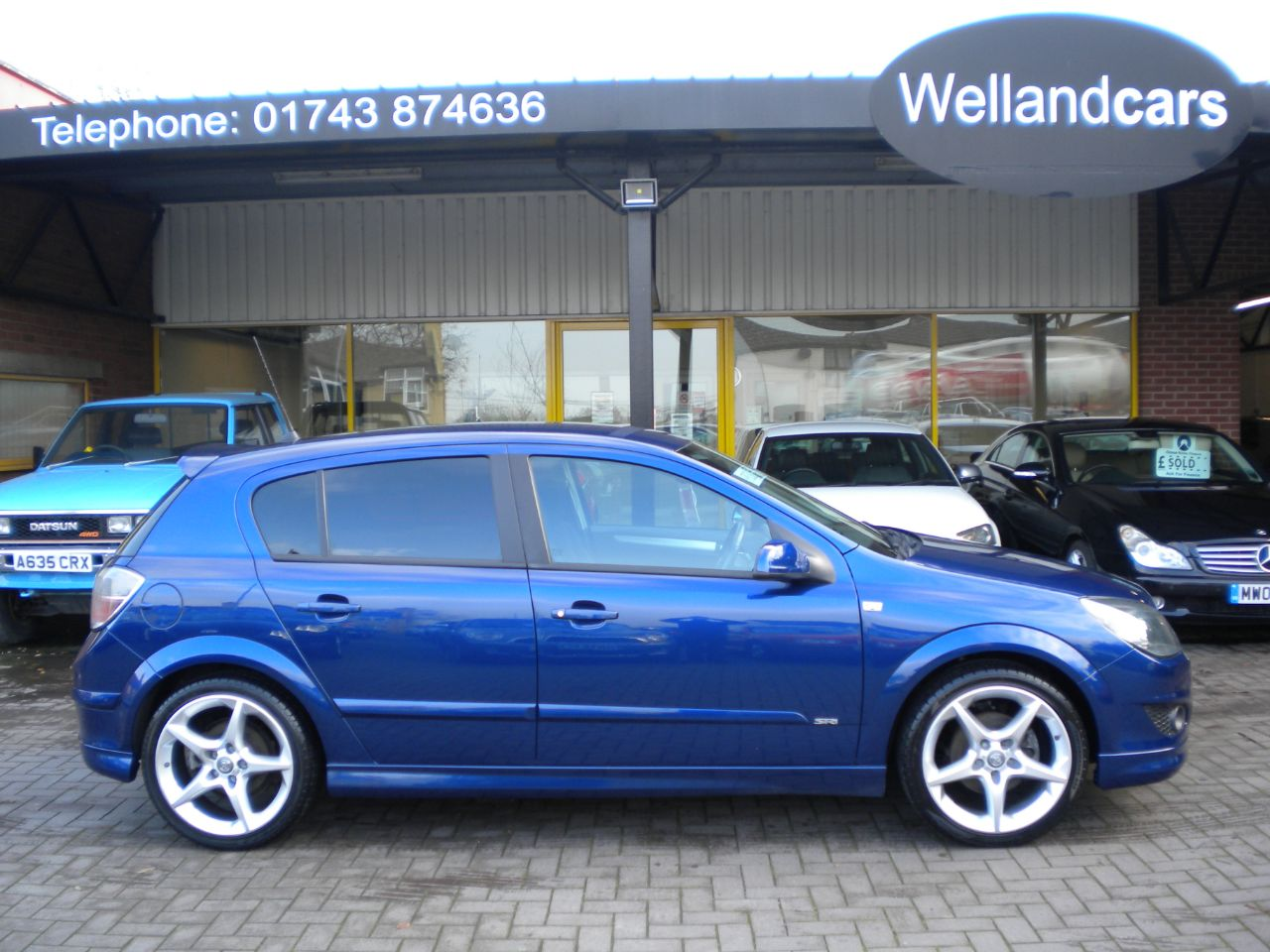 Vauxhall Astra 1.8i VVT SRi 16v Rare 5dr Exterior Pack Model, 18`Alloys, F/S/H, A/C, Sports Seats, Hatchback Petrol Mettalic Blue at Welland Cars Shrewsbury