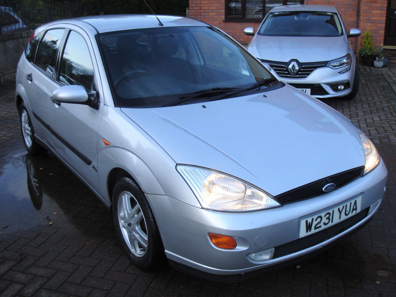 Ford Focus 1.8 Zetec Climate 5dr Hatchback Petrol Silver at Level Pitch Selby