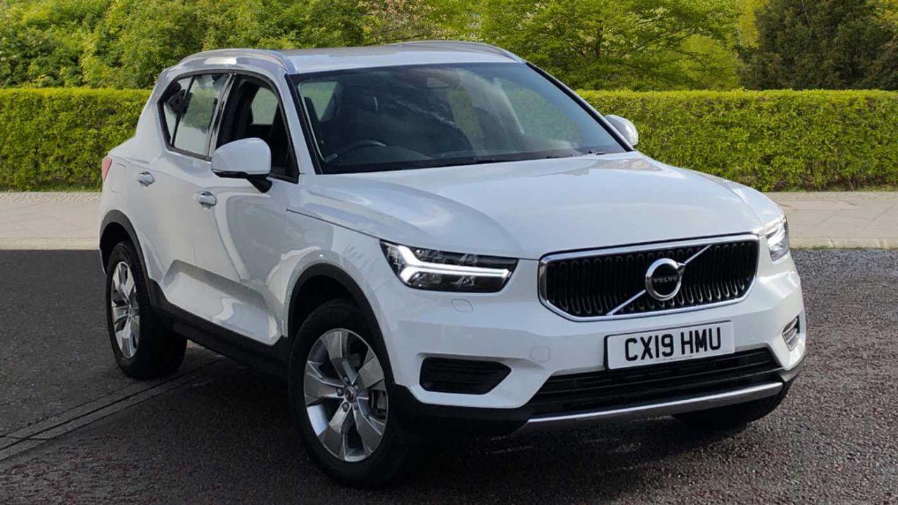 Volvo XC40 1.5 T3 Momentum (Rear Parking Camera, Volvo On Call, Heated Front Seats) Estate Petrol White