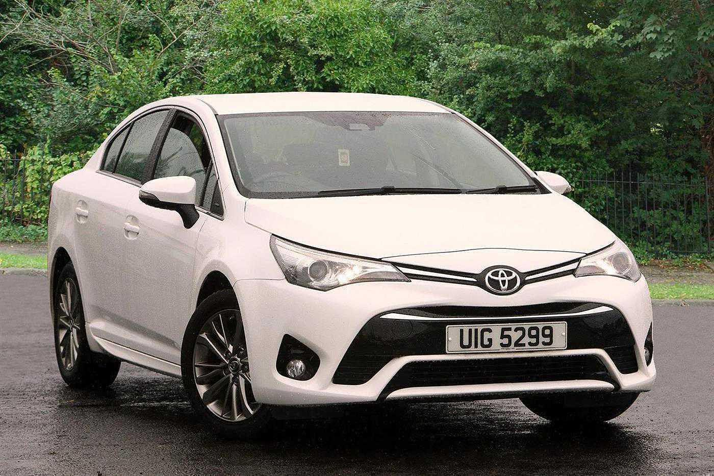 Toyota Avensis 1.6 D-4D Business Edition 4-Dr Saloon Diesel White