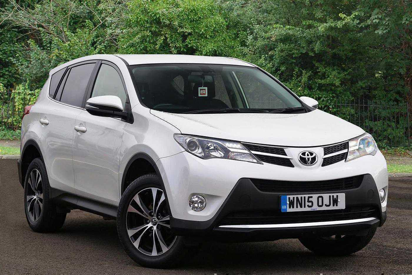 Toyota Rav-4 2.0D-4D ( 124bhp ) ( 2WD ) 2015MY Icon Crossover Diesel White