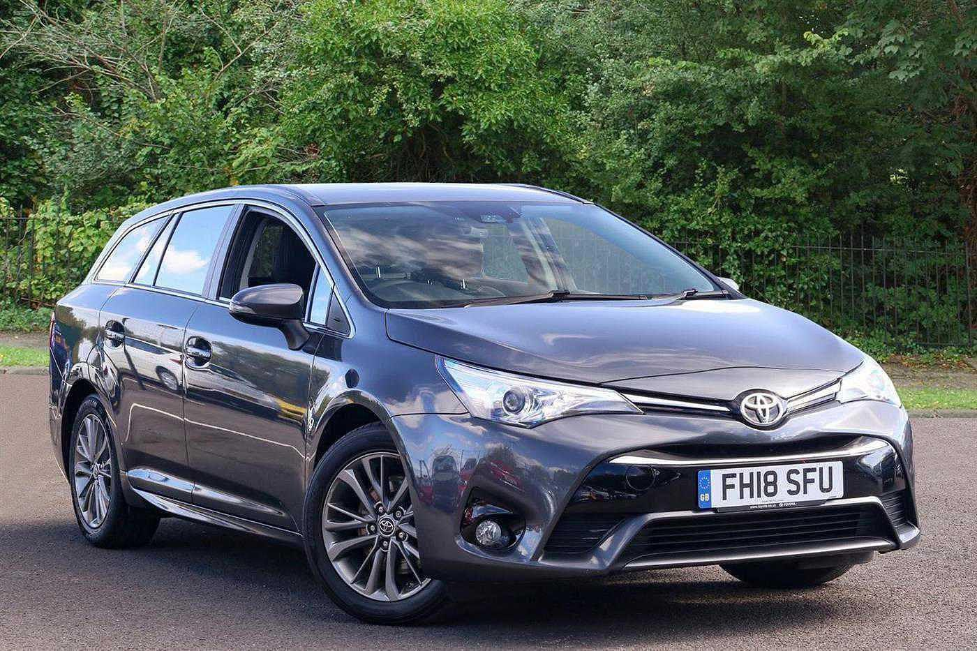 Toyota Avensis 2.0D Business Edition 5dr Estate Diesel Grey
